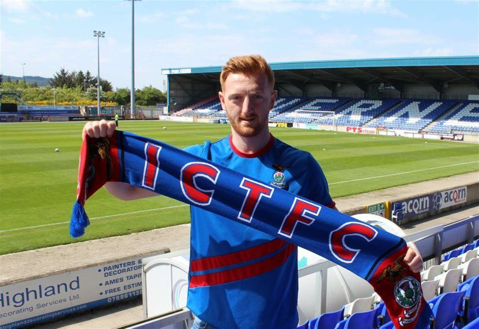 Inverness Caledonian Thistle sign English midfielder