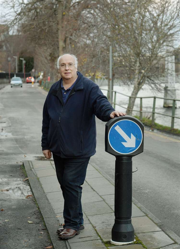 Community worries aired on riverside one-way traffic