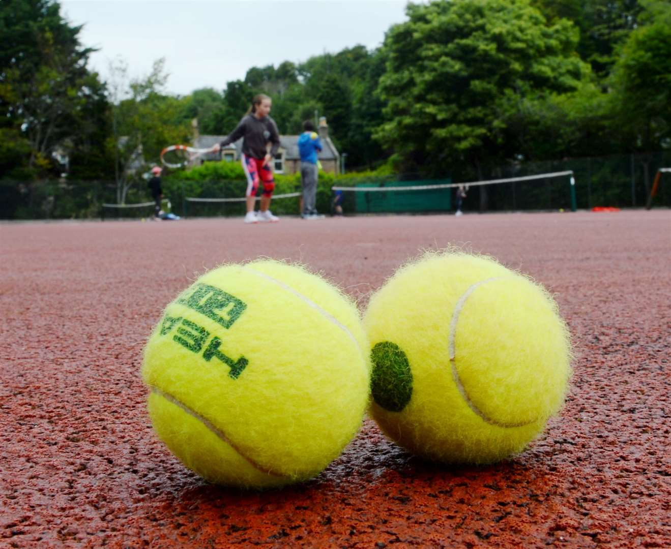 Free tennis lessons are being offered to NHS workers.