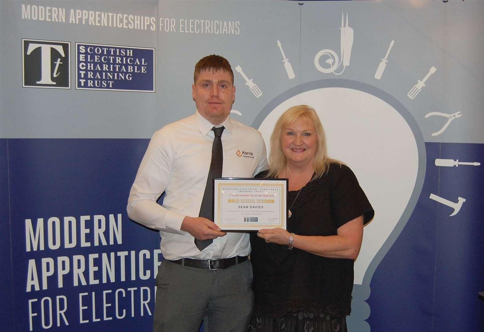 Inverness College UHI apprentice wins top national award
